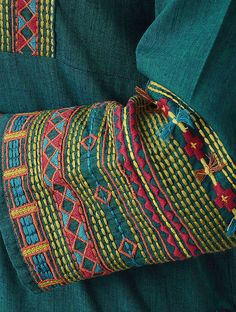 hand embroidery stitches and designs Embroidery Online, Embroidery On Kurtis, Kurti Embroidery Design, Hand Embroidery Dress, Hand Embroidery Videos, Bead Embroidery Patterns, Embroidery Stitches Tutorial, Embroidery On Clothes, Embroidery Works
