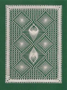 2 do českého paravánu - fotoalba uživatelů - Dáma. Bobbin Lace Patterns, Crochet Patterns, Pin Weaving, Bobbin Lacemaking, Types Of Lace, Lace Art, Quilting Rulers, Point Lace, Lace Jewelry