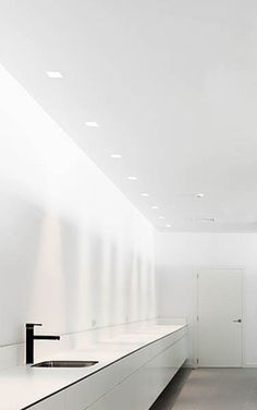 Indirect lighting, Dental Clinic in Barcelona by Susanna Cots _ Kitchen Interior, Modern Interior, Kitchen Design, Interior Design, Cabinet Medical, Indirect Lighting, Clinic Design, Light Architecture, Beautiful Kitchens