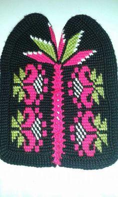 Tunisian Crochet Stitches, Crochet Slippers, Ankara, Diy And Crafts, Espadrilles, Slippers Crochet, Crocheted Slippers