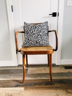 Black and White Leopard Print Pillow - cover only - comes in or - contact for other sizes - white zipper closure Leopard Pillow, White Leopard, Wingback Chair, Pillow Covers, Accent Chairs, Black And White, Pillows, Etsy, Furniture