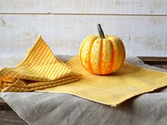 YELLOW Gingham Table Napkins set of 4 / Rustic picnic by ikabags,
