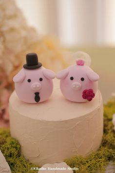 Pig and Piget wedding cake topper