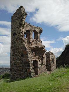 ruined abbey at arthur's seat in edinburgh