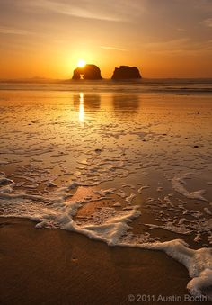 twin rocks oregon coast. Been there, pictures don' t look this good :(
