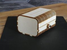 Madera Álamo plegable caja de corte por láser con por RDCreaDesign