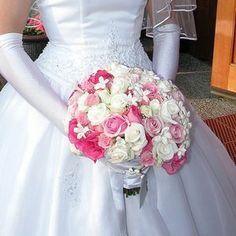 Google Image Result for http://www.mayweddingflowers.com/wp-content/uploads/2009/03/pink-wedding-flowers1.jpg