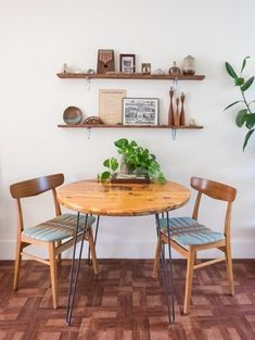 House Tour: An Apartment With a Chill 1970s Feel   Apartment Therapy