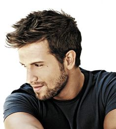 I love Pablo Alboran, I think he is the best singer of this time.. He is lovely♥