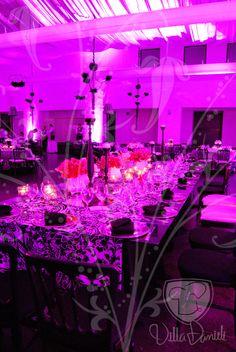 Salón Villa Danieli, decoración en blanco, negro y rosa
