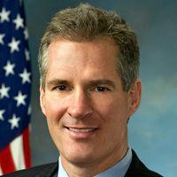 Sen. Scott Brown: Creating A Nation of Venture Capitalists Through Crowdfunding