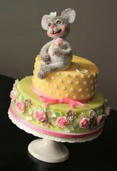 Happy Bear Spring Colored Cake