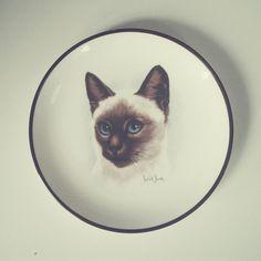 Cat plate, bought in Greenwich, London    #wysokipolysk #fleastyle