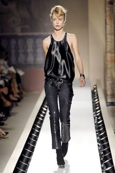 Anna Molinari Spring 2007 Ready-to-Wear Fashion Show Collection Raquel Zimmermann, Fashion Show Collection, Ready To Wear, Leather Pants, Anna, Runway, Vogue, Spring, Model