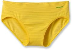 Underwear may not me something I'd primarily place in the gift ideas folder, but still. The material in these is awesome = wear, then wash m the evening and they are ready again in the morning. 2 pairs of undies for a lady's travel wardrobe, huh? Plus I love how they come in other colors than just the borings. Now if only there was a matching bra (there is, Barely, but it doesn't come in these awesome colors)