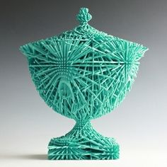 Michael Eden - Cyan Bloom If the next Industrial Revolution were led by artisans able to ride the wave of new technologies and reinterpret tradition, then ceramic potter Michael Eden would no doubt be the first in line. Sculpture Art, Sculptures, International Craft, Kiln Formed Glass, The Potter's Wheel, Modern Ceramics, Porcelain Ceramics, Design Crafts, Glass Art