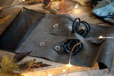 Porta cavi da viaggio in pelle riciclata, regalo fatto a mano, Natale 2017, regalo per un viaggiatore - leather cable holder, handmade gift, Christmas 2017, traveller gift