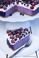 80 best blueberry cheesecake and 3 different recipes Our Easy Blueberry Swirl Cheesecake was a special treat for everyone in the Test Kitchen. Thanks to the sweet and creamy taste of the cream cheese bas. Baking Recipes, Cookie Recipes, Dessert Recipes, Delicious Desserts, Yummy Food, Homemade Pastries, Sandwich Cake, Polish Recipes, Pie Dessert