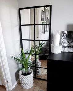 [New] The Best Home Decor (with Pictures) These are the 10 best home decor today. According to home decor experts, the 10 all-time best home decor. Office Interior Design, Interior Design Inspiration, Room Inspiration, Interior Decorating, Diy Home Crafts, Diy Home Decor, Open Plan Kitchen Living Room, Mirror House, Apartment Interior