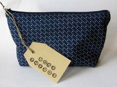 Kulturbeutel - Blaue Kosmetiktasche mit passendem Futter - ein Designerstück von Norsthings bei DaWanda