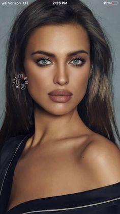 Lovely Eyes, Stunning Eyes, Brunette Beauty, Brunette Girl, Bradley Cooper, Beautiful Figure, Beautiful Women, Natural Lipstick, Model Face