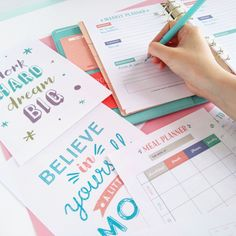 Get organised this year with this 60-page printable planner kit! It includes everything you need to get your life organised.