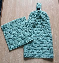 Wishing I was Knitting at the Lake: Puffy Basketweave Kitchen Hanging Hand Towel