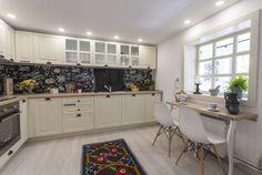 adelaparvu.com despre renovarea casei familiei Serbana din Nedelea, episodul 1, sezonul 4, Visuri la cheie, Foto Zucchero Media (17) Design Case, Interior Decorating, House Design, Kitchen, Table, Furniture, Home Decor, Houses, Cooking
