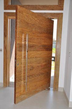 Demolition wooden pivoting door - Ecoville Portas Especiais - Lilly is Love Modern Exterior Doors, Wood Exterior Door, Modern Door, Big Doors, Pivot Doors, Cool Doors, Custom Wood Doors, Wood Front Doors, Wooden Doors