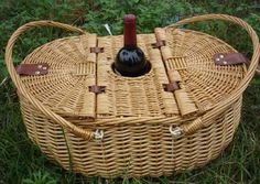 Great Basket/ with Wine Holder