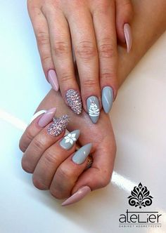 Gel Brush Happy Hippo oraz Prima Ballerina z kryształami Swarovskiego by Klaudia Wyrwas  #white #swarovski #almond #nails #gelnails #winternails #grey #snowflake #christmas #winter