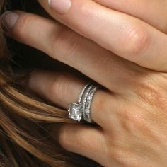 Kate Beckinsale's Emerald Cut Diamond Engagement Ring and Wedding Band
