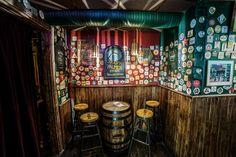 Bar decoration with cask. Cask as a desk. Irish Pub Interior, Irish Pub Decor, Bar Interior, Interior And Exterior, Interior Decorating, Pub Design, Irish Design, Irish Bar, Pub Ideas