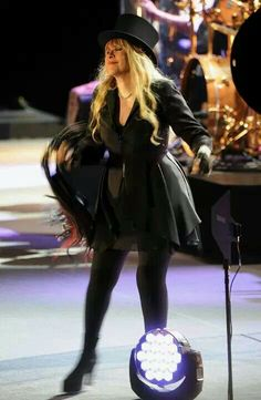Stevie Nicks Style Is Bohemian Cool At Its Finest 2013 & Stevie Nicks | Stevie Nicks | Pinterest | Fleetwood mac Stevie ...