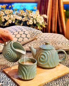 Chai, Table Decorations, Mugs, Coffee, Drinks, Furniture, Home Decor, Kaffee, Drinking