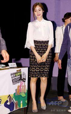 第6回ソウル国際超短編映画祭、記者会見開催 国際ニュース:AFPBB News韓国・ソウル(Seoul)のアートナイン(Art Nine)で行われた、第6回ソウル国際超短編映画祭(Seoul international Extreme-Short Image & Film Festival、SESIFF)の記者会見に臨む、女優のソン・ユリ(Sung Yu-Ri、2014年8月29日撮影)。(c)STARNEWS ▼5Sep2014AFP 第6回ソウル国際超短編映画祭、記者会見開催 http://www.afpbb.com/articles/-/3024861 #성유리 #Sung_Yu_Ri #成宥利 #Сон_Юү_ри ซ็อง ยู-รี