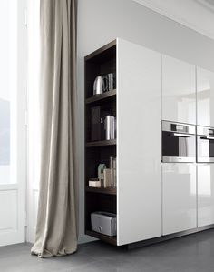 Cozinha lacada de madeira MATRIX by Varenna by Poliform | design Paolo Piva