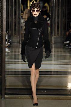 """트위터의 ART In G 자료 봇 님: """"Gareth Pugh FALL 2016 READY TO WEAR #가을 #캐쥬얼 #패션 #모델 #디자인 #자료 #아트인지 #Fall #Fashion #Model #Design #Reference #ArtInG https://t.co/Sb44g79hht"""""""