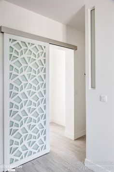 31 modern home decor trending this winter 21 – yorideas Sliding Door Design, Sliding Doors, Room Divider Doors, Barn Door Designs, House Siding, Interior Barn Doors, Home Decor Trends, Home Interior Design, House Design