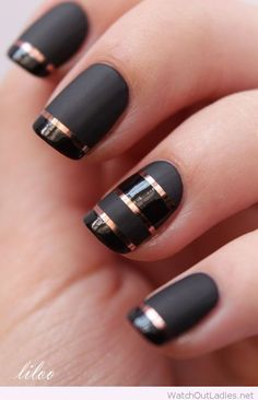 Black nails with brown lines