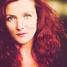 Lady Stark! Beautiful Michelle Fairley