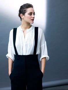 Marion Cotillard pictures > Society Style
