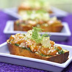 Toasts au saumon mariné - 10 recettes pour l'apéritif de Noël - Cuisine Actuelle