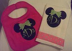 Minnie Mouse Bib & Burp Cloth