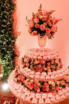 Mesa de bem casados Cradle Decoration, Wisteria Wedding, Henna, Wedding Favors, Wedding Decorations, Sunset Party, Peonies And Hydrangeas, Chocolate Decorations, Flower Designs