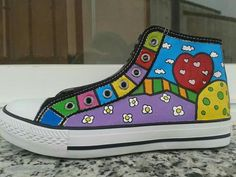 Zapatillas pintadas by Mabel Blasco