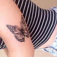 Borboleta em Volta do Braço de Tatuagem