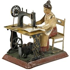 Woman on Sewing Machine, c. 1905 / clockwork tin toy / Günthermann: Nähmaschine (Unfortunately, the link is broken. Sewing Machine Accessories, Images Vintage, Antique Sewing Machines, Antique Toys, Antique Metal, Tin Toys, Sewing Toys, Sewing Notions, Vintage Dolls