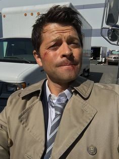 Misha Collins ‏@mishacollins   PANIC! You only have 2 DAYS LEFT to http://JoinTheHunt2016.com . Go! (Don't squander your summer.)