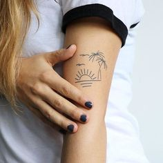 Looking for a vacation? This tattoo design could be just that, wa … tattoos - DIY Tattoo dauerhaft Tiny Tattoos For Girls, Tattoos For Daughters, Small Tattoos, Tattoos For Women, Diy Tattoo, Get A Tattoo, Subtle Tattoos, Pretty Tattoos, Awesome Tattoos
